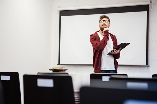 Les réels intérêts de recourir à un influenceur enseignant